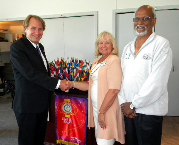 (Left to Right) Sources CEO David Young, White Rock Rotary Club President Joan Apel, and Rotarian Srinivasan Rajagopal.